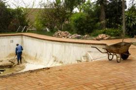 Travaux de construction de piscine conseils packtravaux for Cout piscine maconnee