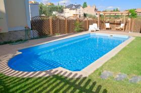 Combien co te une piscine enterr e prix d 39 une piscine for Prix piscine maconnee