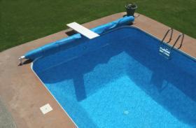 Combien co te une piscine enterr e prix d 39 une piscine for Prix piscine creusee