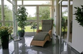 construire une v randa. Black Bedroom Furniture Sets. Home Design Ideas